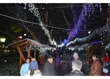 ÎNTÂMPINÂND PE MOȘ NICOLAE - Află programul inaugurării iluminatului ornamental din Sighet pentru Sărbătorile de Iarnă