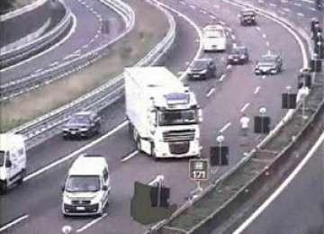 Ion Purice, erou national in Italia! Soferul de camion care a blocat o autostrada pentru a salva viata unei fetite!