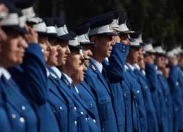 Jandarmii maramureșeni sprijină copiii colegilor decedaţi