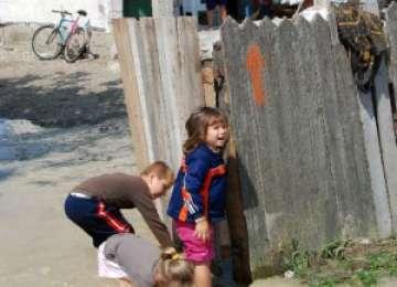 Jandarmii maramureşeni sprijină copiii sinistraţi din judeţul Galaţi