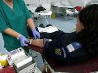 """Jandarmii sigheteni  donează sânge în cadrul campaniei """"Întinde o mână! Salvează o viaţă! Donează sânge!"""""""