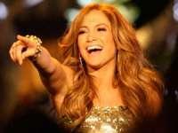 Jennifer Lopez a câştigat 10 milioane de dolari cântând pentru