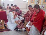 JOIA MARE: Episcopul Vasile Bizău a spălat picioarele a 12 preoți