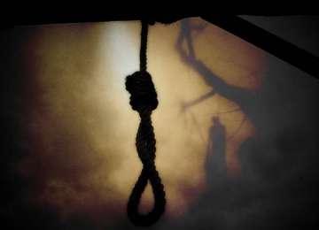 JOIA NEAGRĂ - Trei maramureşeni s-au sinucis la scurt timp unul după celălalt