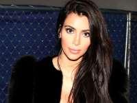 Kim Kardashian, amenințată cu arma de bărbați mascați, la Paris