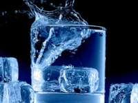La ce riscuri ne expunem când ne răcorim cu băuturile cu gheaţă