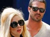 Lady Gaga, fără inelul de logodnă - Presa tabloidă speculează o despărțire de iubitul său
