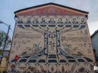 Lecția inedită de muzică, pictată pe Școala de arte din Sighet