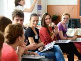 Liceenii din România pot studia la un liceu american pe baza unei burse FLEX