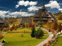 LOCURI DE LEGENDĂ în România - Mănăstirea Bârsana, un colţ de rai care a cerut jertfe umane