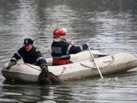 MACABRU: Bărbat în costum de scafandru, descoperit mort în râul Tisa
