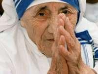 Maica Tereza declarată sfântă de către Papa Francisc