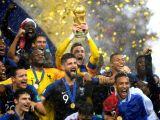 """""""Maimuţe cu o minge!"""" - Titlul mondial al Franţei, însoţit de derapaje rasiste"""