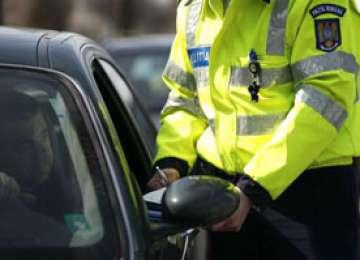 MARAMUREŞ - Acţiuni desfăşurate pentru un trafic rutier sigur: 108 autovehicule verificate şi amenzi de peste 11.800 lei