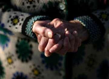 MARAMUREŞ: Bătrână înşelată de o poveste lacrimogenă
