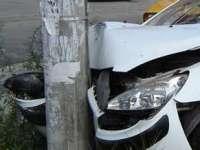 MARAMUREŞ: Beat fiind, a intrat cu maşina într-un stâlp şi a fugit de la locul faptei