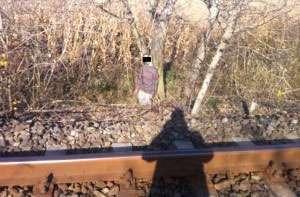 MARAMUREŞ: Cadavrul unui tânăr, spânzurat de două zile, a fost descoperit pe un câmp
