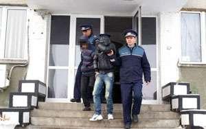 MARAMUREŞ: Cinci persoane reţinute de poliţişti pentru comiterea unui furt din locuinţă