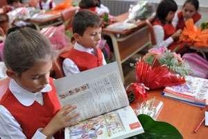 MARAMUREŞ: Din toamnă, şcolarii vor avea manuale noi