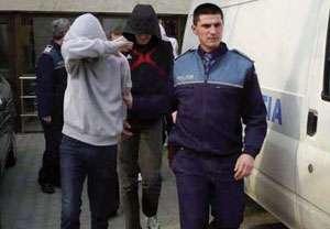 MARAMUREŞ: Doi minori suspectaţi de comiterea a şase furturi de componente de utilaje agricole, identificaţi de poliţişti