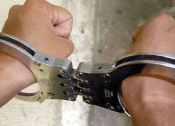 MARAMUREŞ: Doi tineri au fost arestaţi preventiv pentru tentativă la tâlhărie şi furt