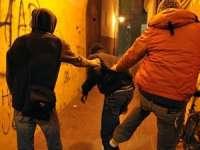 MARAMUREŞ: Doi tineri au fost reţinuţi de poliţişti pentru tâlhărie
