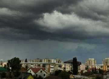 MARAMUREŞ: Informare meteo de averse și descărcări electrice, începând de joi după-amiază
