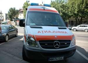 MARAMUREŞ: O ambulanţă a fost implicată într-un accident rutier
