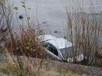 MARAMUREŞ: O femeie şi bebeluşul său au ajuns la spital după ce s-au răsturnat cu maşina în albia unui râu