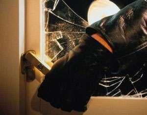 MARAMUREŞ: Tineri condamnaţi pentru violare de domiciliu şi furt calificat