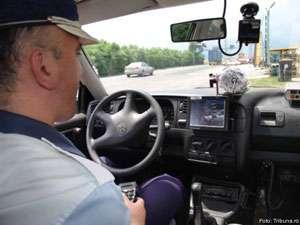 MARAMUREŞ: Verificări efectuate de poliţişti pentru siguranţa rutieră