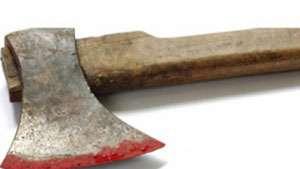 MARAMUREȘ - Bărbat, arestat preventiv după ce şi-a bătut nevasta cu toporul până aproape la moarte