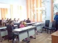 MARAMUREȘ - Poliţiştii şi jandarmii desfăşoară împreună activităţi preventive pentru siguranţa elevilor