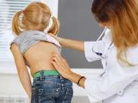 MARAMUREȘ: Tot mai mulți copii prezintă probleme la nivelul coloanei vertebrale
