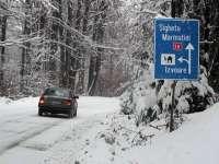 Maramureș: Traficul rutier pe DN 18 prin Pasul Gutâi, restricționat în urma ninsorii abundente