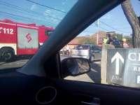 MARAMUREȘ: Trei autoturisme avariate în urma unui accident rutier. O persoană a fost rănită
