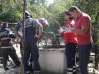 MARAMUREȘ: Un bărbat a căzut într-o fântână în timp ce încerca să o curețe