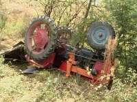 MARAMUREȘ - Un bărbat a decedat după ce s-a izbit cu tractorul de un copac