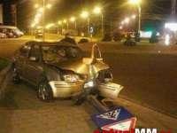 MARAMUREȘ - Un polițist beat a intrat cu mașina într-un indicator rutier