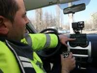 Maramureșean cu permisul suspendat, surprins conducând cu 104 km/h prin localitate
