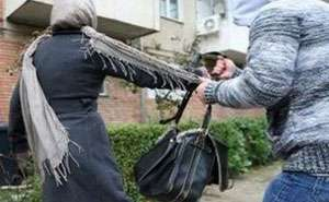 BORŞA: Maramureşean trimis în judecată după ce a tâlhărit o femeie şi i-a furat geanta