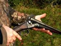 Maramureşeni cercetaţi pentru uz de armă letală fără drept