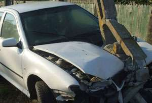 MARAMUREŞ: Trei femei au fost rănite după ce maşina în care se aflau s-a izbit de un stâlp