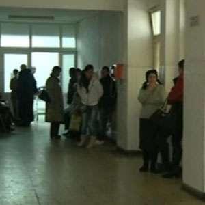 """Mărturiile personalului medical de la Spitalul județean din Ploiești: """"Păzeam bolnavii să nu le intre gândacii în gură"""""""