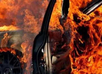 Maşina unui băimărean a fost mistuită de flăcări pe DN 1C