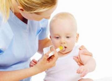 Medicamentele europene pentru bebeluşi conţin aditivi potenţial periculoşi