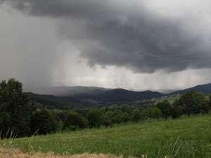 METEO: Avertizari privind producerea unor fenomene meteorologice periculoase in Maramures