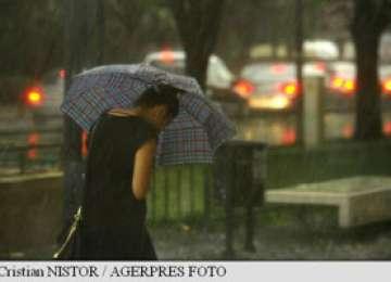 METEO: Cod Galben de ploi în 27 de județe