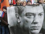 Mii de oameni își iau rămas bun de la opozantul rus Boris Nemțov