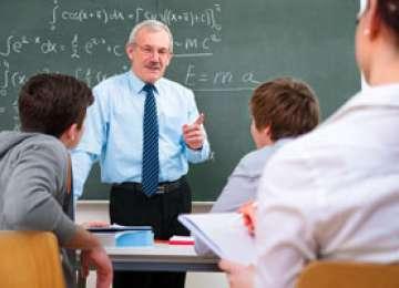 Profesorii îşi vor primi salariile cu o săptămână mai târziu